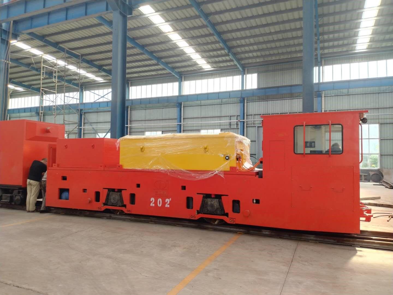 磷酸铁锂电机车  郑州机场线
